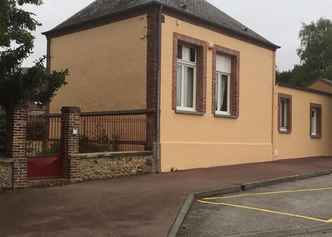 Rubrique-JEUNESSE-ecole-porte2